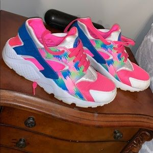 Tye dye Nike huaraches
